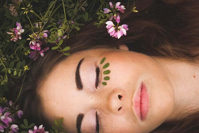 Olejowe oczyszczanie twarzy